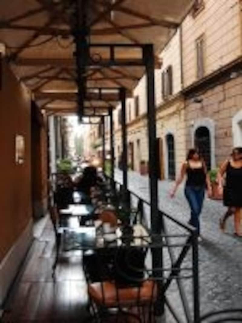 地下にあるリストランテや、同ストリート沿いにブラッセリーも人気