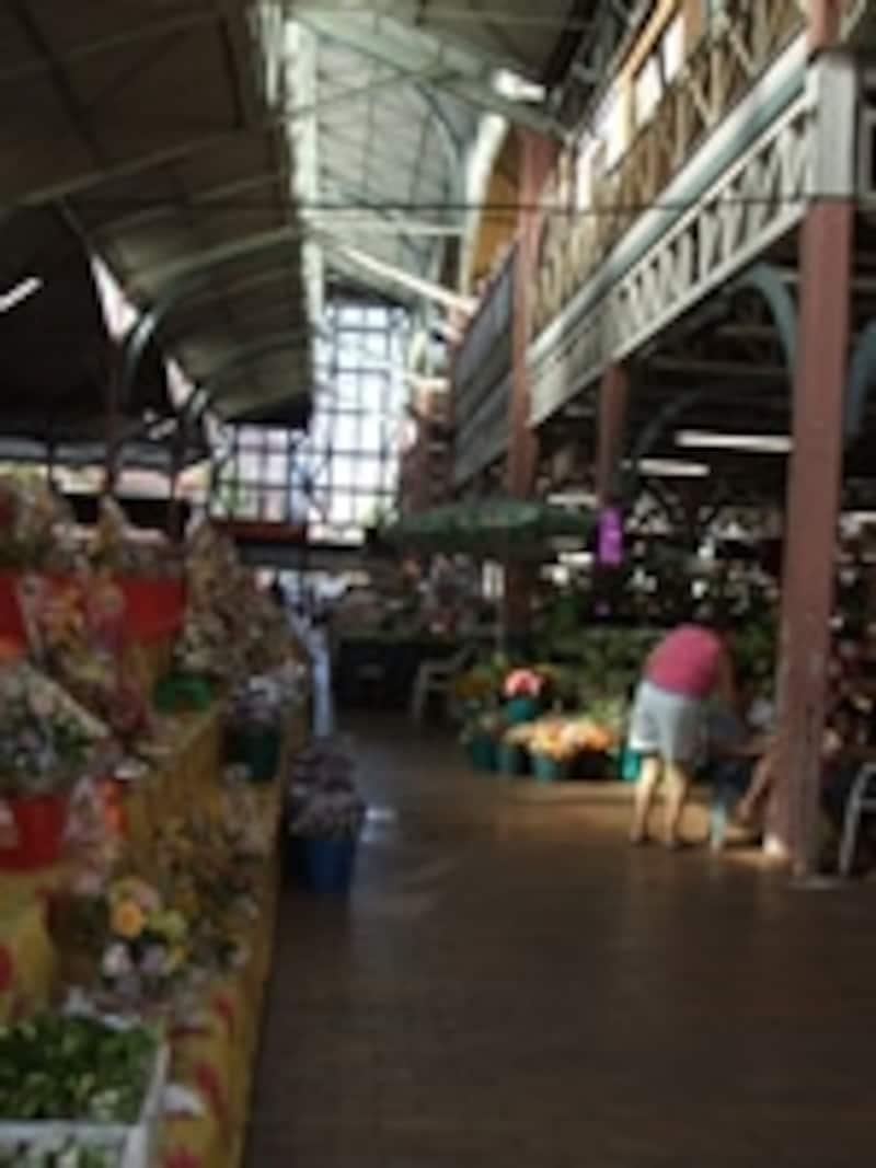 タヒチ島のマルシェ(市場)