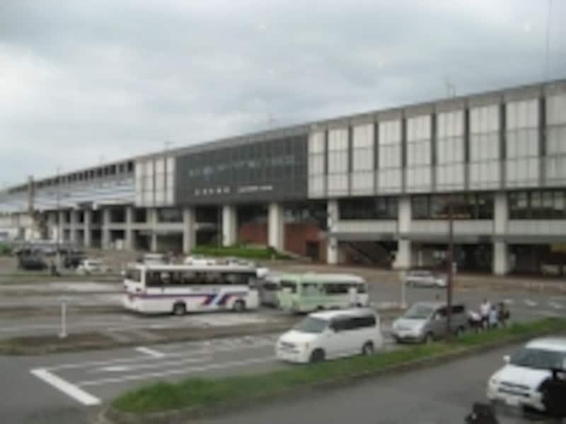 東北新幹線「那須塩原駅」。東京から1時間15分でリゾート地に到着する
