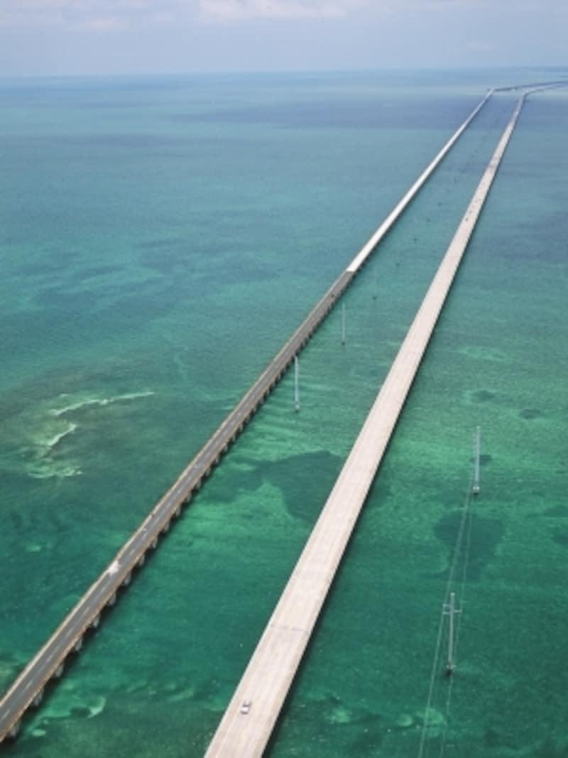 海の中を駆け抜けるセブンマイルブリッジundefined(C)VISITFLORIDA