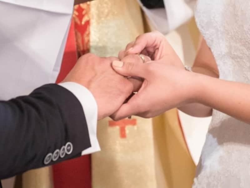 結婚が決まったらパートナーのための保障を考えよう。