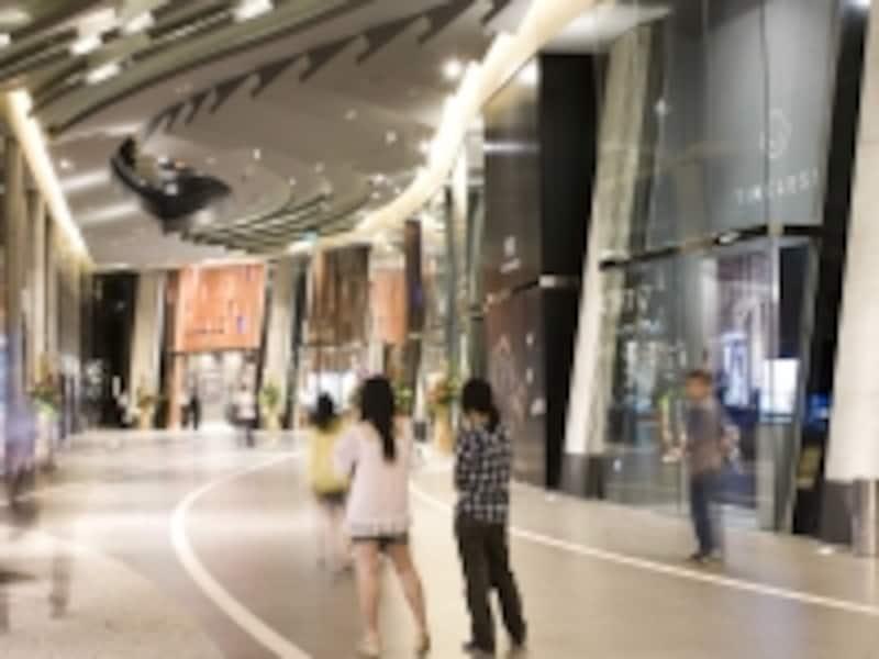 正面入口2階部分にあるウォッチ専門コーナー(c)CityofDreams