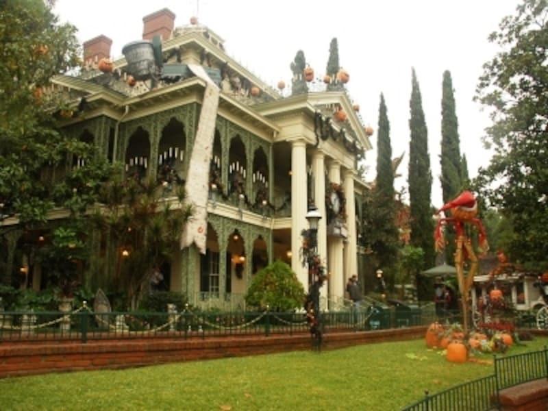 ハロウィンの時期のホーンテッドマンションは、格別!