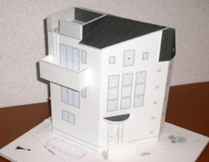 狭小地の3階建て:(株)佐川旭建築研究所