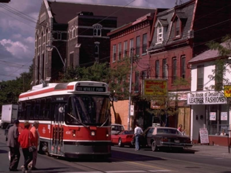 市内の観光に便利なストリートカー(路面電車)undefined(C)TourismOntario