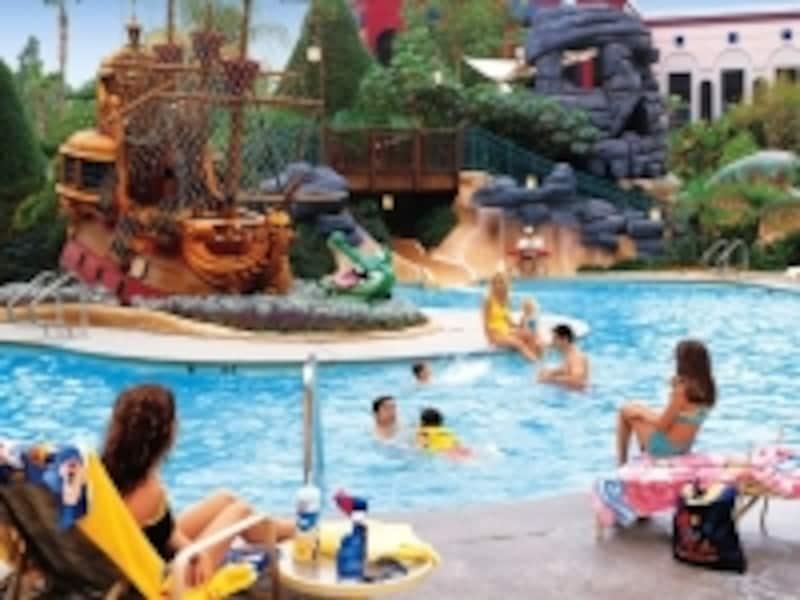 やっぱりプールも外せない!(C)DisneylandResort