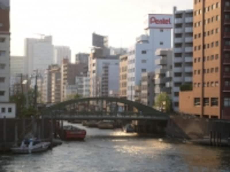隅田川を挟んで反対の中央区側。ちょうど神田川が隅田川と合流する辺りで、昔はこの両側も繁華街だった