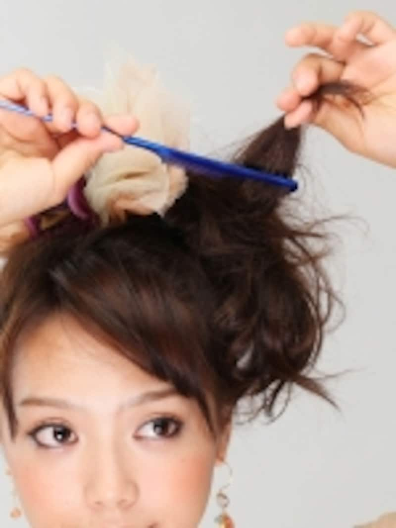 根元までしっかり逆毛をたてると長時間キープしやすい