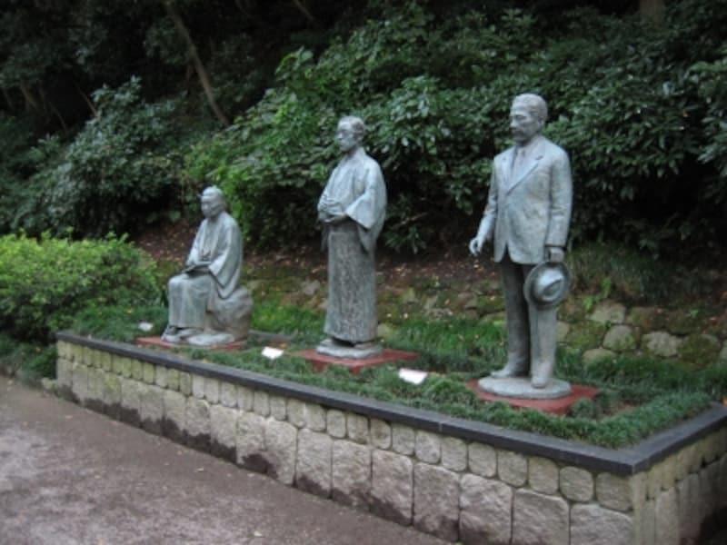 金沢の三文豪の像