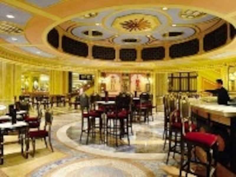 ヴェネチアン・マカオのカジノ内にある24時間営業のカフェ・バー「フロリアン」。(c)TheVenetianMacao-Resort-Hotel