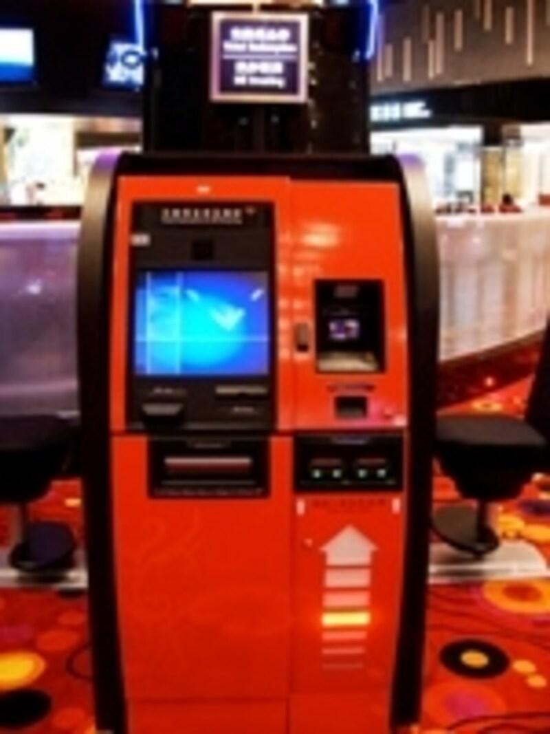 カジノ内にはATMも設置。