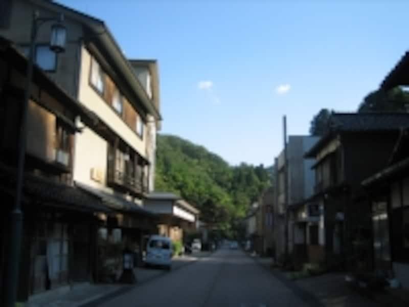 1300年の歴史を持つ湯涌温泉の町並み