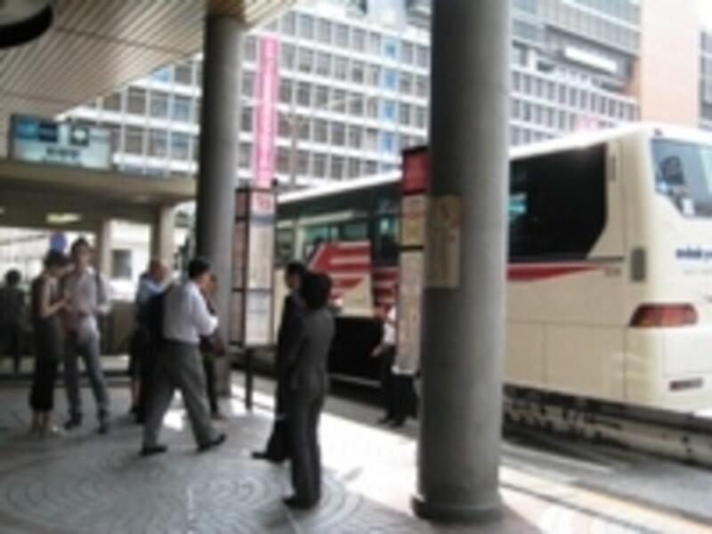 新宿西口から御殿場POまでノンストップの直行バス