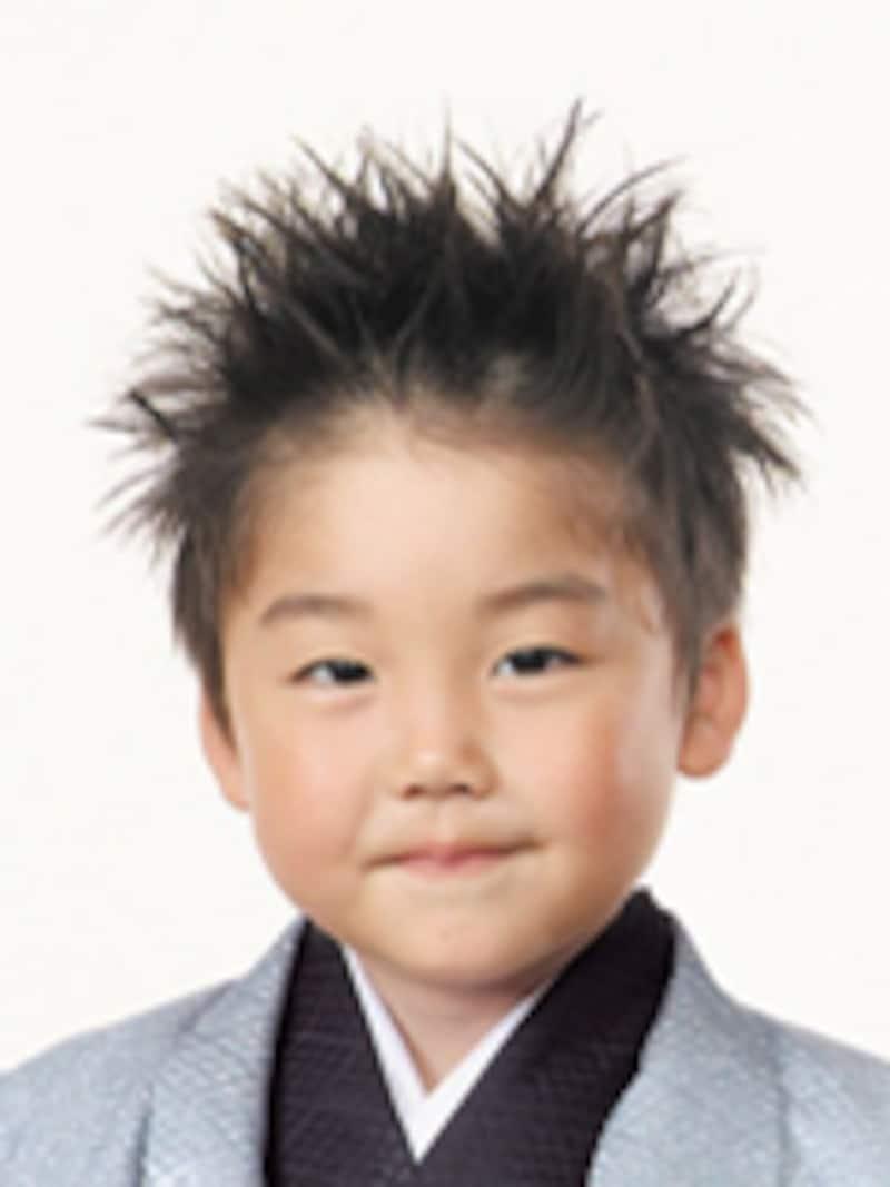 七五三写真で人気のスタジオアリスに、七五三の髪形について取材!今年流行のヘアアレンジをレポートします。