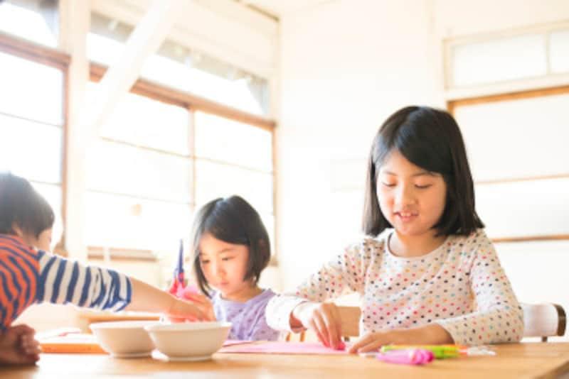 着せ替え人形 紙 無料 ダウンロード ペーパークラフト 着せ替え人形遊びは昔も今も子どもに大人気