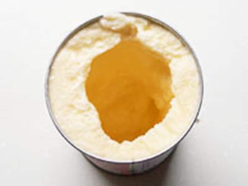 転がして作る缶アイスは中央が空洞になります