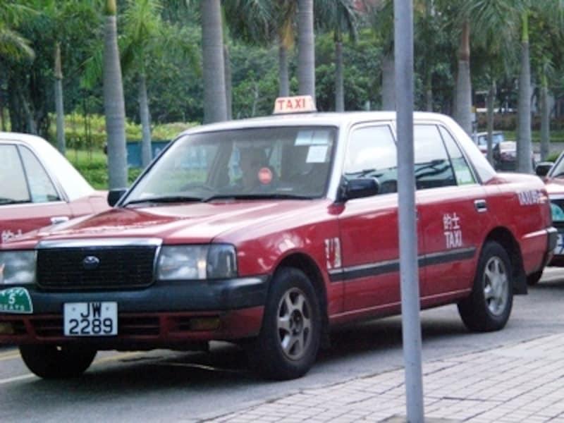 香港島と九龍は赤いタクシー