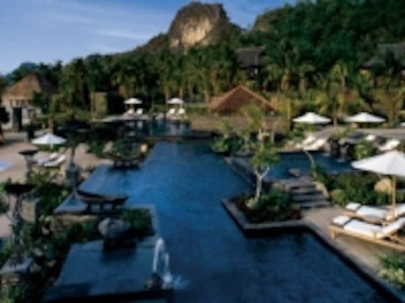 世界中のセレブリティが宿泊リストに名を連ねるフォーシーズンズ・リゾート・ランカウイ。珠玉のリゾートホテルはまだまだ他にも