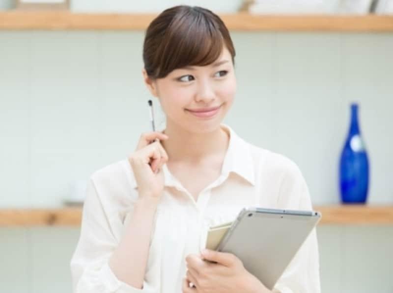 職種・企業によっては、企業イメージを向上させる観点から、社員のヘアカラー・髪色について基準を設けることもあります