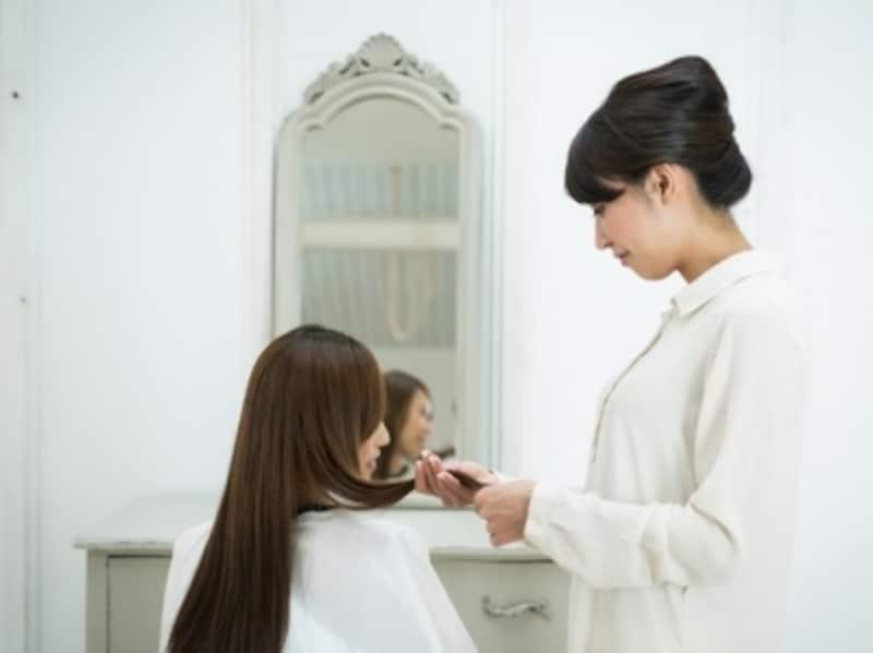 職種や企業によって、好ましいとされる髪の毛のトーン(明るさ)には違いがあるようです