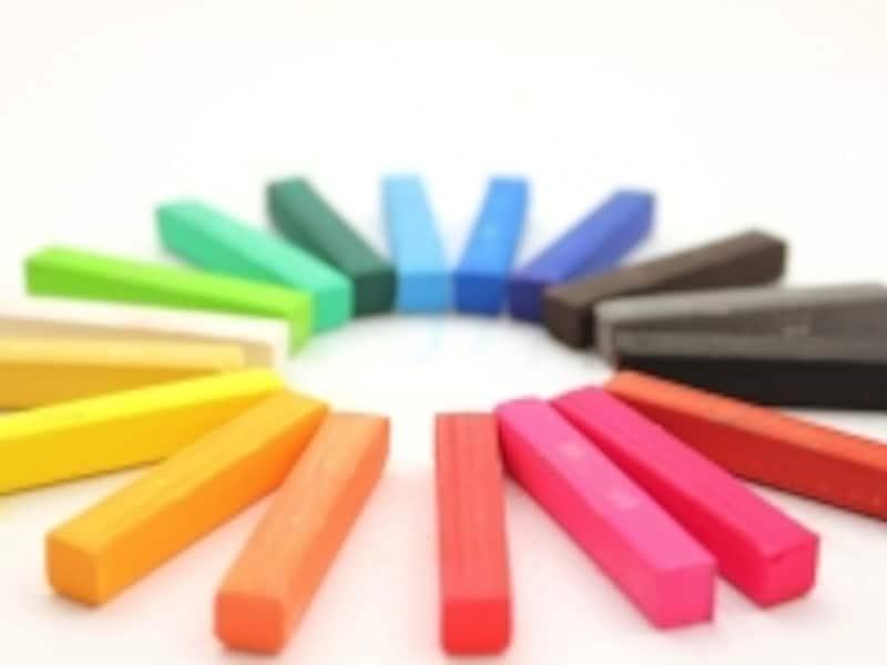 色彩に関する知識や技能を総合的に修得する3つの検定の他に、さまざまな検定が行われています。