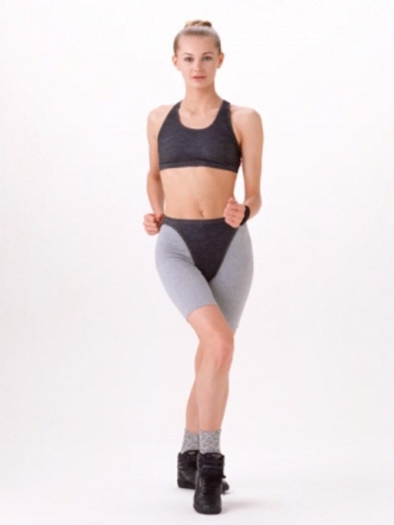 体型診断「モダンタイプ(Iライン)」。モデルのような体型で、都会的で洗練された雰囲気を持つ方は、トレンドを加味したシンプルなスタイリングが似合います