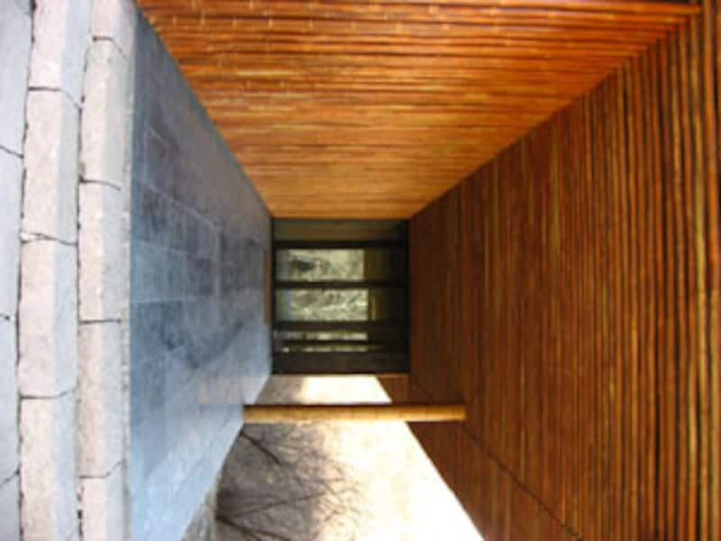 シャープのアクオスのCMの舞台となった竹の家(竹屋 BAMBOO WALL)