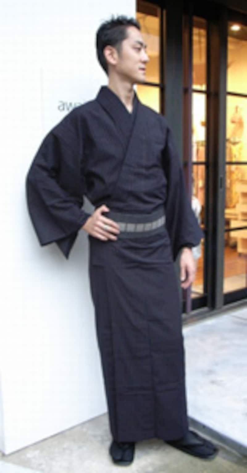 ウィンタータイプの方は、ダークカラーの着物がよくお似合いになります。