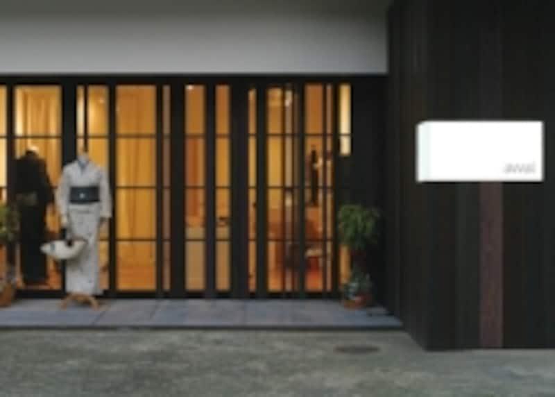 「awai」のショップは、福岡市内の閑静な住宅街の中にあります。