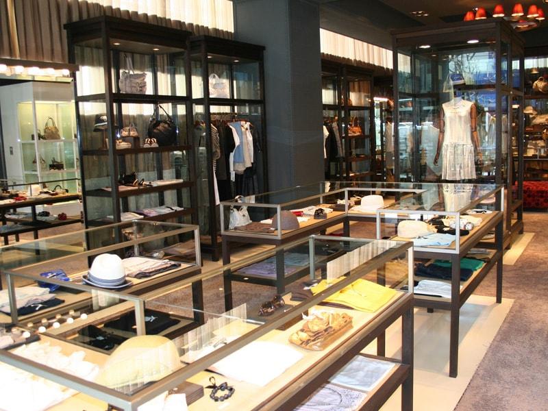 青山店1階