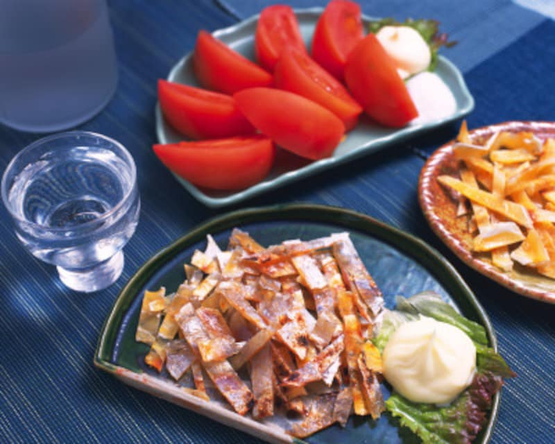 大皿盛りの場合も、食べる量だけ取り分けて。食べた量を忘れるのはキケン!