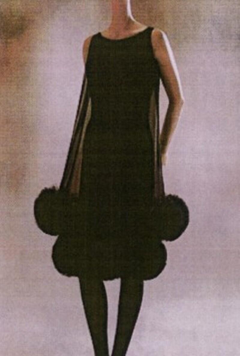 裾のトリミングがキュートなボリューム感を生む1961年の作品