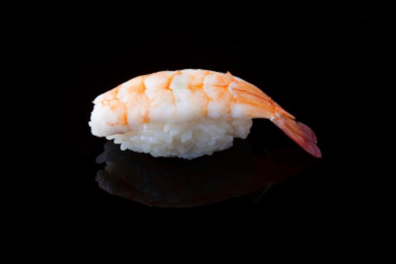 えび、かに、貝類などの寿司は比較的カロリー控えめです