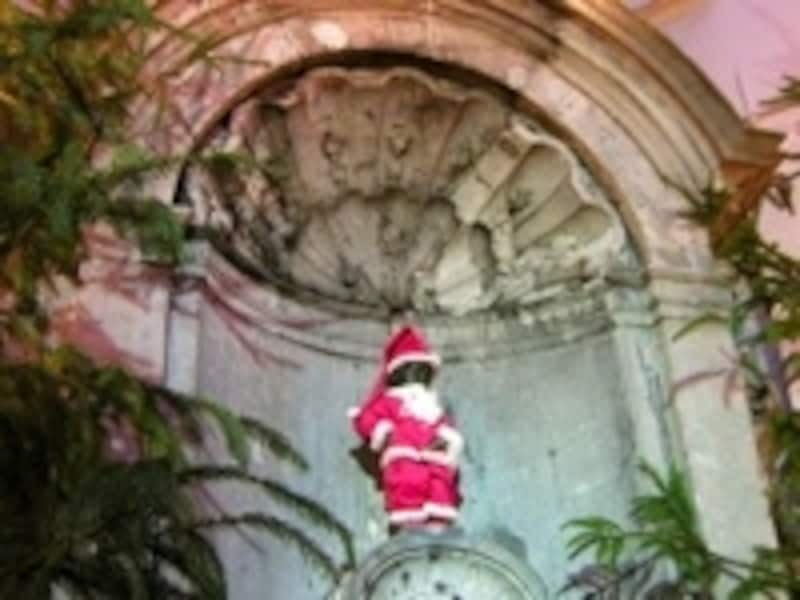 小便小僧の像は市の中心部に位置する