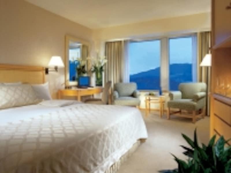 ハーバービューの部屋からは、海と山というバンクーバーらしい風景が楽しめます