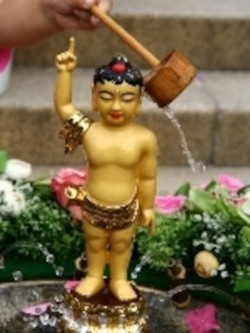 仏教寺院の赤ちゃん仏陀