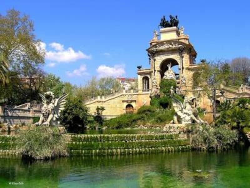 ガウディも設計に参加したシウダデラ公園の噴水も名所の1つ。