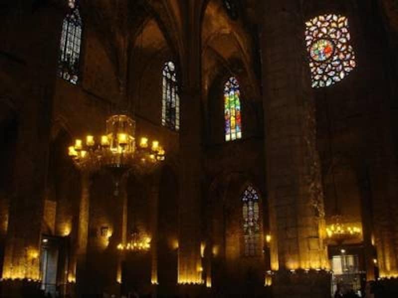 旧市街に行くなら是非中に入ってみたいサンタ・マリア・デル・マル教会。