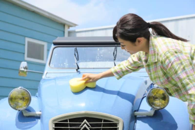 車の擦り傷補修方法は簡単