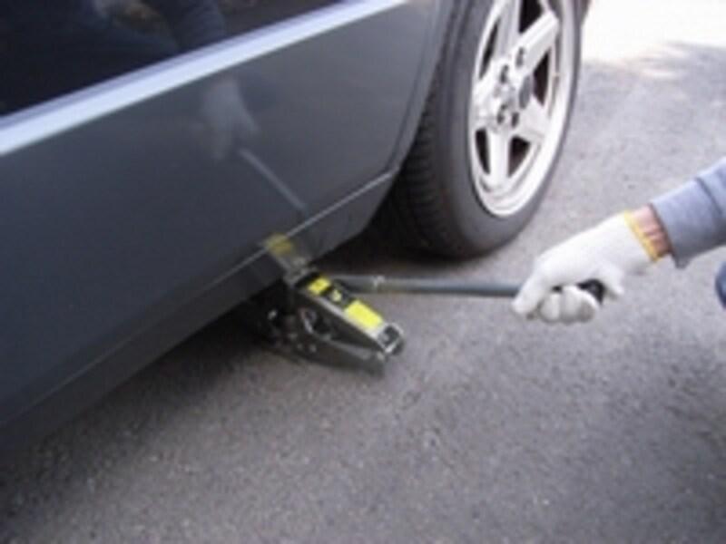 油圧ジャッキの使用例