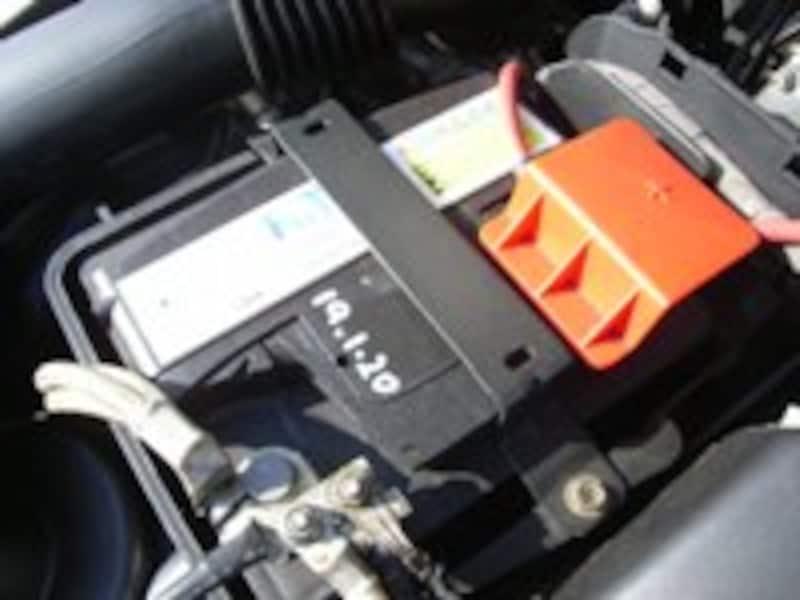 バッテリー固定方法