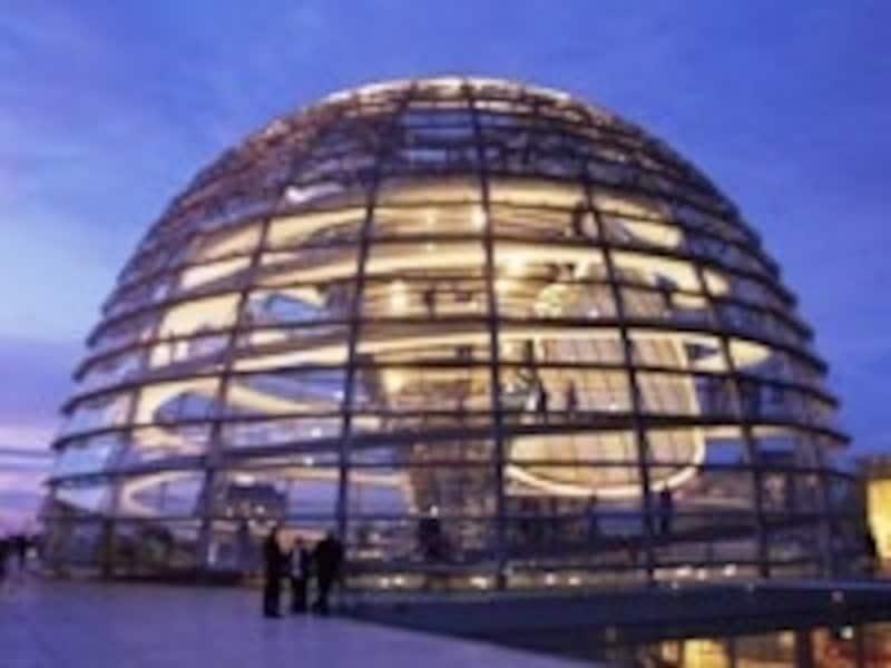 連邦議会議事堂のガラスドーム