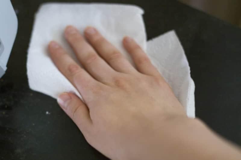 一度使ったペーパー類は、しっかり掃除しつくしてから捨てるようにしましょう
