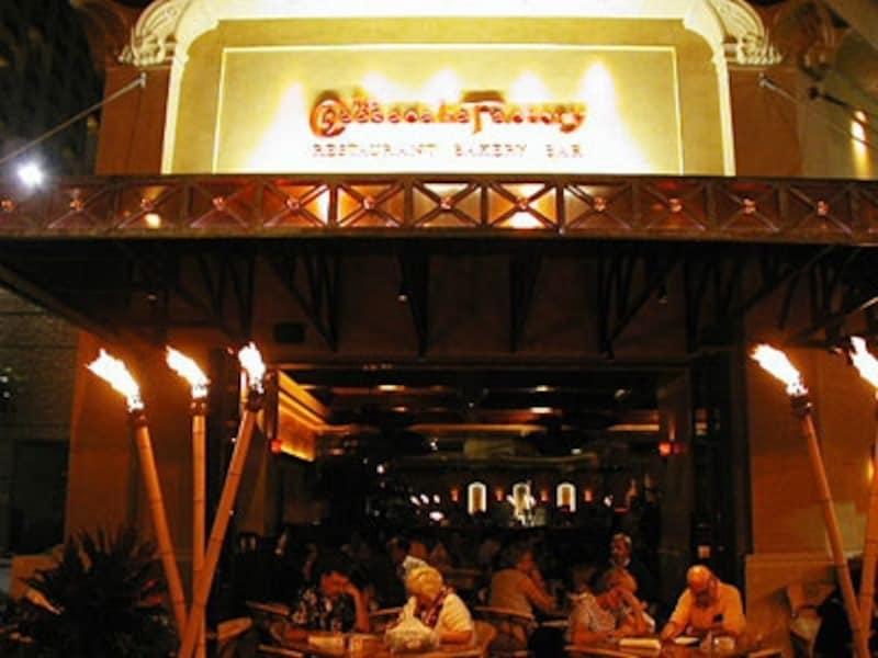 席数600席のハワイ店は全米でも最大規模を誇る