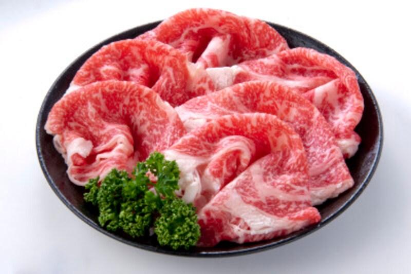 このような脂分の多い肉食に偏っていると脂性フケが出てくる可能性が高い
