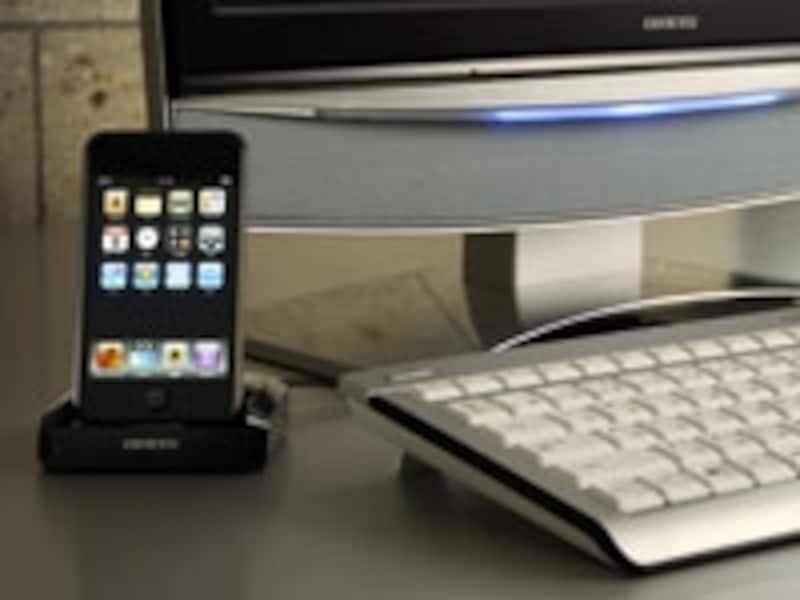 iPod用ドックはUSBケーブルでの接続となる