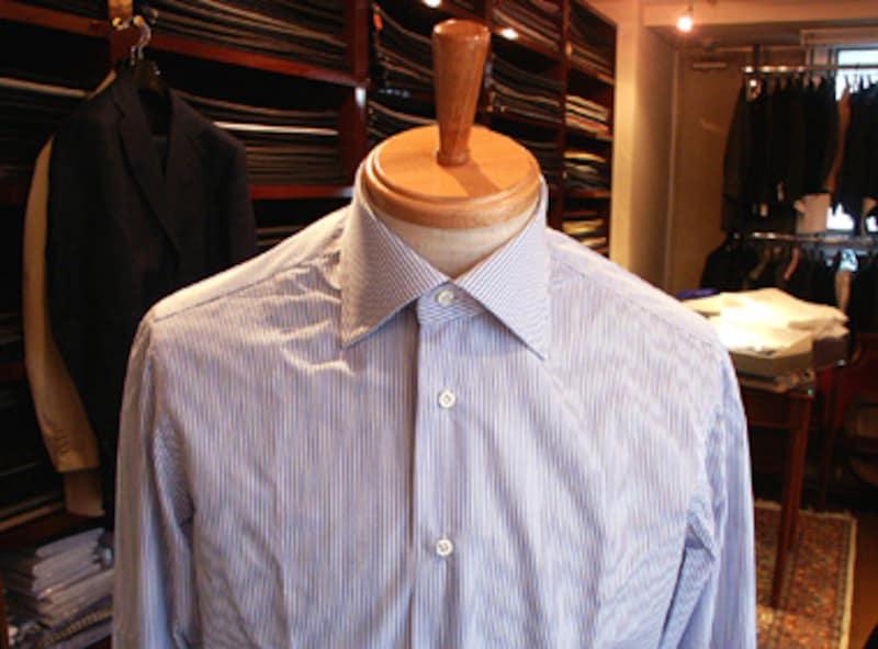 アレッサンドラ・マンデッリのシャツ