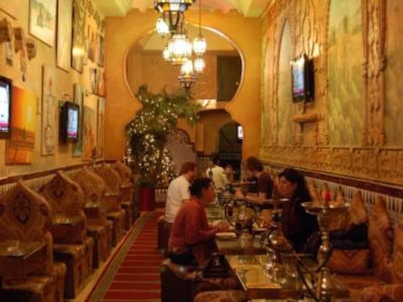 まるでアラブの豪邸で食事している気分が味わえるアラビア