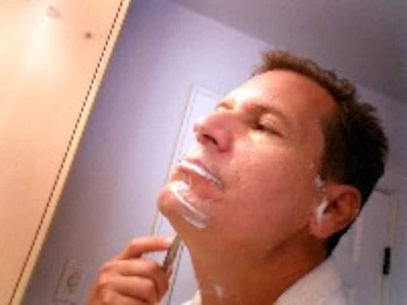 シェービングは剃りやすいところから!