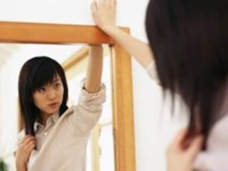 透明美肌を汚すしみの原因は紫外線、加齢、喫煙、酸化、血行不良、ホルモン不足など
